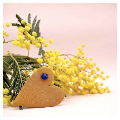 broche-coeur-bijouxtissus-upcycling-jaune
